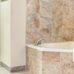 Отель Comfort Suites Atlanta Airport ванная фото 2