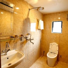 Отель Readers Inn Pvt.Ltd Непал, Катманду - отзывы, цены и фото номеров - забронировать отель Readers Inn Pvt.Ltd онлайн ванная фото 2