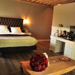 Отель Chateau Rougesse в номере