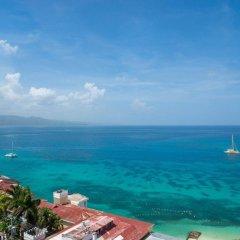 Отель Sky View Beach Studio - Montego Bay Club Ямайка, Монтего-Бей - отзывы, цены и фото номеров - забронировать отель Sky View Beach Studio - Montego Bay Club онлайн пляж фото 2