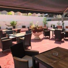 Отель Hostal Liwi Испания, Барселона - отзывы, цены и фото номеров - забронировать отель Hostal Liwi онлайн бассейн фото 2