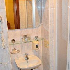 Отель Palacky Чехия, Карловы Вары - 1 отзыв об отеле, цены и фото номеров - забронировать отель Palacky онлайн ванная фото 2