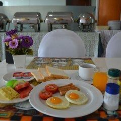 Amnauysuk Hotel питание