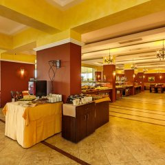Отель Festa Pomorie Resort Болгария, Поморие - 1 отзыв об отеле, цены и фото номеров - забронировать отель Festa Pomorie Resort онлайн питание фото 2