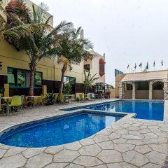 Отель OYO 168 Al Raha Hotel Apartments ОАЭ, Шарджа - отзывы, цены и фото номеров - забронировать отель OYO 168 Al Raha Hotel Apartments онлайн бассейн фото 2
