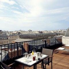 Отель Grand Hôtel Du Palais Royal балкон