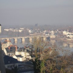Апартаменты Apartment With 2 Bedrooms in Saumur, With Wonderful City View and Wifi Сомюр пляж
