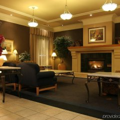 Отель The Glenmore Inn & Convention Centre Канада, Калгари - отзывы, цены и фото номеров - забронировать отель The Glenmore Inn & Convention Centre онлайн интерьер отеля