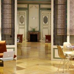 Axel Hotel Madrid - Adults Only интерьер отеля