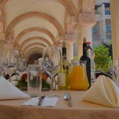 YMCA Three Arches Hotel Израиль, Иерусалим - 2 отзыва об отеле, цены и фото номеров - забронировать отель YMCA Three Arches Hotel онлайн интерьер отеля фото 3