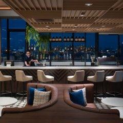 Отель AVANI Sukhumvit Bangkok гостиничный бар
