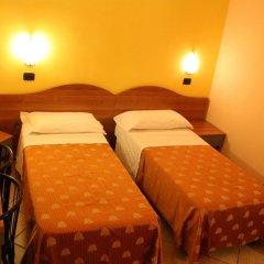 Отель Sara Италия, Милан - отзывы, цены и фото номеров - забронировать отель Sara онлайн комната для гостей фото 2