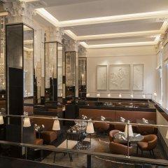 Four Seasons Hotel London at Ten Trinity Square интерьер отеля