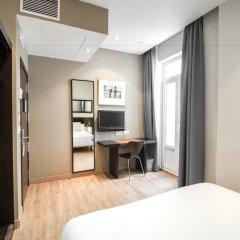 Отель Petit Palace Plaza de la Reina удобства в номере фото 2