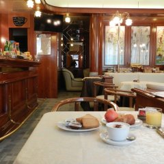 Hotel Italia Сан-Мартино-Сиккомарио гостиничный бар