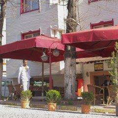 Hotel Rose Bouquets Стамбул бассейн