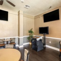 Отель Clarion Inn & Suites Clearwater развлечения