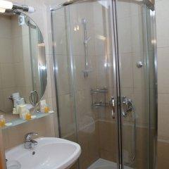 Отель Regina Elena Черногория, Будва - отзывы, цены и фото номеров - забронировать отель Regina Elena онлайн ванная