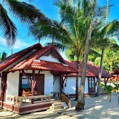 Отель First Bungalow Beach Resort гостиничный бар