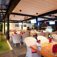Отель Sandalay Resort Pattaya гостиничный бар