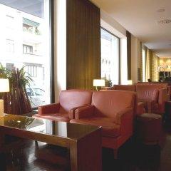 Отель NH Milano Touring гостиничный бар