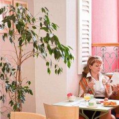 Отель Mercure Nice Marché Aux Fleurs Франция, Ницца - 13 отзывов об отеле, цены и фото номеров - забронировать отель Mercure Nice Marché Aux Fleurs онлайн интерьер отеля фото 3