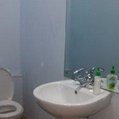 Отель Vareron Hostel Грузия, Тбилиси - отзывы, цены и фото номеров - забронировать отель Vareron Hostel онлайн ванная