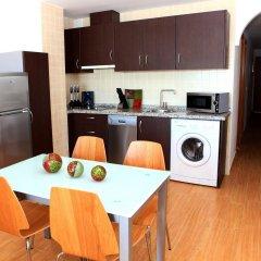 Отель Apartamentos Vega Sol Playa Фуэнхирола в номере