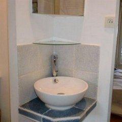 Отель Vacation Rental Marais 3 Париж ванная