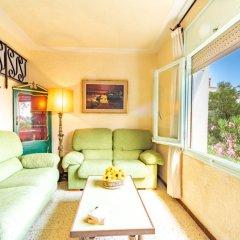 Отель Holiday Home People I Курорт Росес комната для гостей
