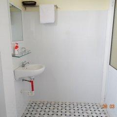 Отель Yellow House Homestay ванная фото 2