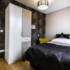 Апартаменты Abieshomes Serviced Apartments - Messe Prater сейф в номере