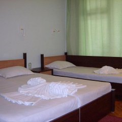 ADIS Holiday Inn Hotel сейф в номере