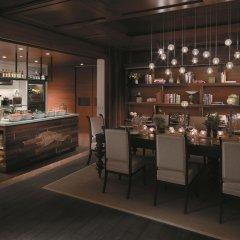 Shangri-La Hotel Singapore гостиничный бар