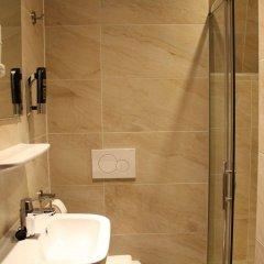 Отель Vivaldi Budget Hotel Нидерланды, Амстердам - отзывы, цены и фото номеров - забронировать отель Vivaldi Budget Hotel онлайн ванная