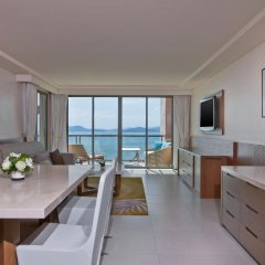 Отель The Westin Siray Bay Resort & Spa, Phuket Таиланд, Пхукет - отзывы, цены и фото номеров - забронировать отель The Westin Siray Bay Resort & Spa, Phuket онлайн комната для гостей фото 5