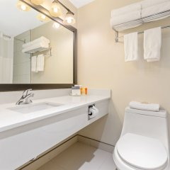 Отель Thompson Hotel & Conference Center Канада, Камлупс - отзывы, цены и фото номеров - забронировать отель Thompson Hotel & Conference Center онлайн ванная фото 2