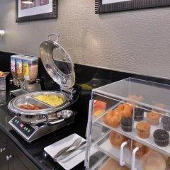 Отель Best Western Royal Palace Inn & Suites США, Лос-Анджелес - отзывы, цены и фото номеров - забронировать отель Best Western Royal Palace Inn & Suites онлайн питание