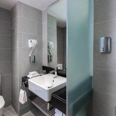Отель Holiday Inn Express Bangkok Soi Soonvijai ванная фото 2