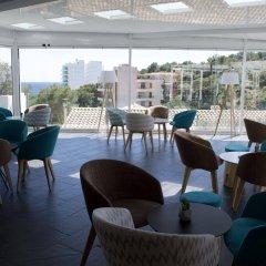 Hotel RD Costa Portals - Adults Only гостиничный бар