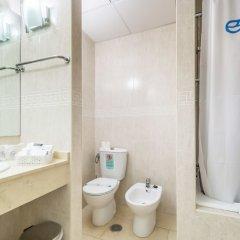 Отель Roc Lago Rojo - Adults recommended Испания, Торремолинос - 1 отзыв об отеле, цены и фото номеров - забронировать отель Roc Lago Rojo - Adults recommended онлайн ванная фото 2
