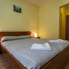 Отель Hera Guest House сейф в номере