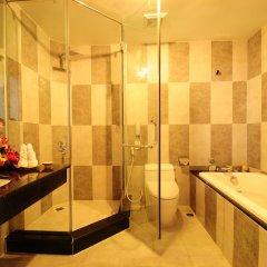 Отель Romance Hotel Вьетнам, Хюэ - отзывы, цены и фото номеров - забронировать отель Romance Hotel онлайн ванная фото 2