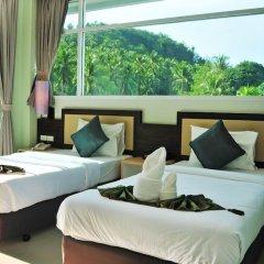 Отель AM Surin Place комната для гостей фото 13