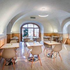 Отель Golden Star Чехия, Прага - 14 отзывов об отеле, цены и фото номеров - забронировать отель Golden Star онлайн гостиничный бар