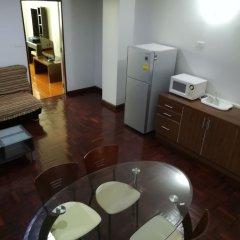 Отель Le Vanvarothai Saladaeng Residence Бангкок в номере
