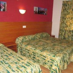 Отель Pensio El Moli Испания, Льорет-де-Мар - отзывы, цены и фото номеров - забронировать отель Pensio El Moli онлайн комната для гостей
