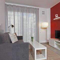 Апартаменты Bbarcelona Apartments Gaudi Flats Барселона комната для гостей фото 3