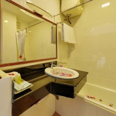 Отель Hai Yen Hotel Вьетнам, Хойан - отзывы, цены и фото номеров - забронировать отель Hai Yen Hotel онлайн ванная