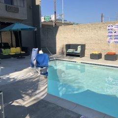 Hotel Le Reve Pasadena бассейн фото 2